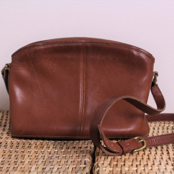 13be9ff01f1 Vintage Coach British Tan Leather Crossbody Bag